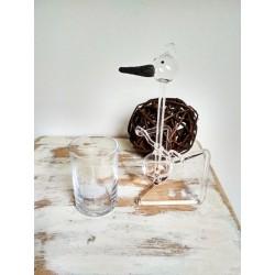 Houpací čáp čirý - černý zobák